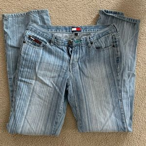🍀Tommy Hilfiger (Bootcut-ish) Jeans!!